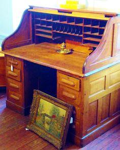 #antique #vintage #desk #decor