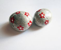 Flower-themed-painted-pebble