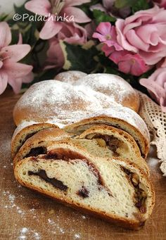 Sweet Braid - A sweet yeasted dough filled with dark chocolate, jam of your choice, walnuts, raisins, honey and lemon zest. Mexican Food Recipes, My Recipes, Baking Recipes, Dessert Recipes, Brunch Recipes, Star Food, Croatian Recipes, Bread And Pastries, Biscuit Recipe