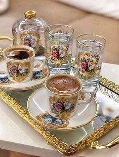 Coffee Vs Tea, Coffee Type, Coffee Art, Coffee Shop, Coffee Lovers, Coffee Presentation, Good Morning Coffee, Coffee Break, Coffee Illustration