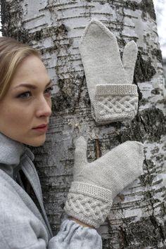 Neulotut palmikkokäännelapaset Novita Nalle || from Novita knits