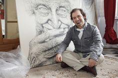 Zu Gast bei Ali Zülfikar – Die Zeit anhalten KÖLN KUNST PORTRAIT  An einem nasskalten Märztag besuche ich den Künstler Ali Zülfikar. An den Wänden hängen mit Bleistift gezeichnete Porträts. Sofort bin ich den Porträtierten ungewohnt nahe. Ali Zülfikar möchte die Seele der Menschen verstehen und mit seinen Werken ihre Geschichten erzählen. Bei einer Tasse Tee erfahre ich mehr über ihn und seine Kunst.  http://www.renk-magazin.de/ali-zuelfikar-die-zeit-anhalten/