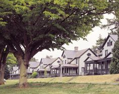 Port Townsend Fort Worden State Park, vacation rentals on Officers Row. An Officer and a Gentleman was filmed here. Olympic National Forest, National Parks, Washington State Parks, Western Washington, Port Townsend Washington, Military Housing, Parks And Recreation, Staycation, Pacific Northwest
