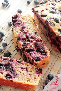 SNACK FOR LUNCHES - Healthy Blueberry Banana Bread **(use greek yogurt in place of applesauce)