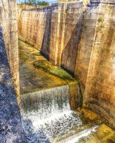 En ruta por el #Canal Imperial Parada en las esclusas de Valdegurriana  #zaragoza Resaltando el #color  #architecture  #nature  #travel #travelphotography #createexplore  #beautiful #love #amazing  #photooftheday #instagood  #unpaseounafoto #instazaragoza #zgzciudadana #todoclick  #asi_es_aragon #igersaragon #igerespaña #igersspain #igersgallery  #hdr #hdriphoneographer #hdrstyles #hdrphotography #hdr_gallery #hdr_love