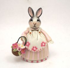 1/48TH scale - Dressed Bunny with floral basket by lory