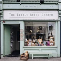 いいね!3,746件、コメント30件 ― Store Front Collectiveさん(@storefrontcollective)のInstagramアカウント: 「The Little Green Grocer Tag a friend who would love this photo! 〰〰〰〰〰〰〰〰〰〰〰〰〰〰〰 FOLLOW…」