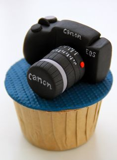 Celebrate with Cake!: Customized Cupccakes