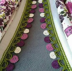 This post was discovered by HU Kare Kare, Lace, Pattern, Design, Towels, Felt, Ganchillo, Tejidos, Flowers