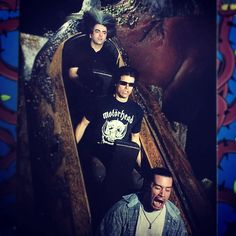 Buzz Osborne, Adam Jones and Mike Patton at Disneyland - Can´t decide which facial expression I enjoy most, Buzz has a slight advantage though because his hair also looks great!