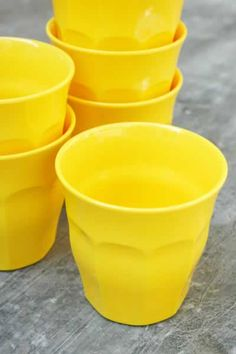 Yellow Picardie glasses Mellow Yellow, Bright Yellow, Black N Yellow, Color Yellow, Yellow Moon, Yellow Theme, Yellow Cups, Lemon Yellow, Jaune Orange