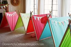 31 DIYs To Help You Throw The Best Slumber Party Ever DIY these easy-to-make pup tents so each of your guests has their own space to slumber. 31 DIYs To Help You Throw The Best Slumber Party Ever Girl Sleepover, Sleepover Party, Slumber Parties, Birthday Parties, 10th Birthday, Birthday Ideas, Indoor Camping, Indoor Tents, Diy Tent