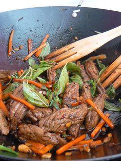 Wok de boeuf au basilic thaï 24 viande cuisine thai