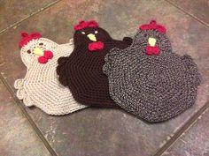 Ravelry: Project Gallery for Swanky Chicken Trivet Potholder pattern by Sarah Moss Crochet Coaster Pattern, Form Crochet, Crochet Home, Crochet Gifts, Crochet Geek, Potholder Patterns, Crochet Potholders, Crochet Stitches Patterns, Knitting Patterns