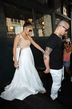 Jennifer Lopez and Casper Smart Photo - Jennifer Lopez Out for Her Birthday Lunch 2