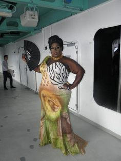 Cruisin' gets a girl all hot...love you Latrice Royale