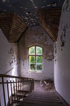 Urban Exploration - Photos of an abandoned hospital with a dark history...