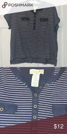 Cute Navy Striped Top Navy striped top with frockets!! (Who doesn't love those??) ~ Size 1X ~ Excellent condition Tops Tees - Short Sleeve