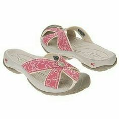 e3069b8c9115 Keen Bali sandals Pink floral Keen Bali sandals. Worn for a very