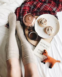 Breakfast in bed and some serious fall dreaming I'm ready for all of the coziness!!! Too early though?