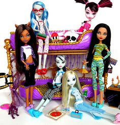 Monster High Dead tired Wave 1 collection (owned 6/6)