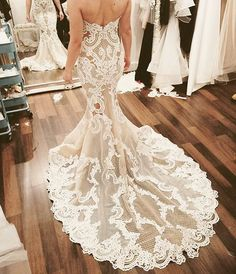 Love this @georgeelsissa gown!! #Wedding #GeorgeElsissa #Couture #WeddingDress #TheDreamDayCo #Creative #Beautiful #Inspiring Image Source: @georgeelsissa x