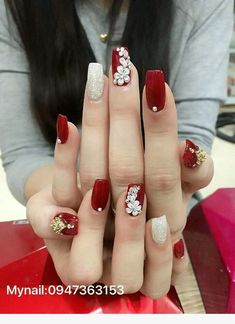 short nails design is to tons difilut however we cna try and give top 10 inspiring nail art designs for brief nails. 1 flowers on short nails the upcoming fashion season has proven that taking your na Diy Red Nails, Red Acrylic Nails, Swag Nails, Glitter Nails, Grunge Nails, Stylish Nails, Trendy Nails, Long Cute Nails, Short Nails