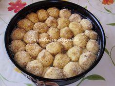 Az otthon ízei: Aranygaluska vaníliasodóval Hungarian Recipes, Hungarian Food, Ring Cake, Scones, Recipies, Muffin, Goodies, Sweets, Breakfast