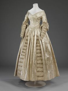 Wedding dress (image 2) | England | 1841 | silk satin, net, lace | Victoria & Albert Royal Museum | Museum #: T.17-1920