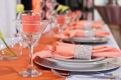Handy Special Events' Showroom Table Decor