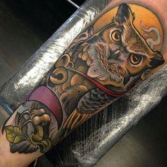 61 Ideas Tattoo Traditional Owl Beautiful For 2019 Forarm Tattoos, Foot Tattoos, Body Art Tattoos, Sleeve Tattoos, Sailor Jerry, Trendy Tattoos, Tattoos For Guys, Buho Tattoo, Tattoo Owl