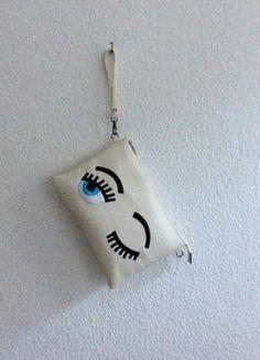 Kaufe meinen Artikel bei #Kleiderkreisel http://www.kleiderkreisel.de/damentaschen/clutches/140324673-creme-weisse-clutch-mit-sussen-zwickern