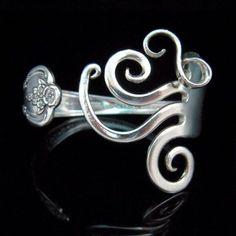 Spoon Bracelet, Fork Bracelet, Silverware Jewelry, Silverware Bracelet, Fork Jewelry in Fancy Design Silver Spoon Jewelry, Fork Jewelry, Metal Jewelry, Jewelry Bracelets, Jewelery, Bijoux Design, Jewelry Design, Jewelry Crafts, Jewelry Art