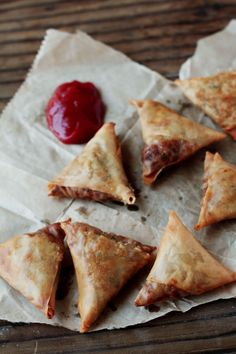 lentil stuffed samosas using wonton wrappers