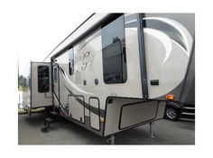 Get most affordable deals on Cheap Used 2014 ‪#‎Heartland‬ Gateway3200RS ‪#‎Fifth_wheel‬ by Camping World RV Sales of Portland for $59788 in Wood Village, OR, USA. This Heartland Gateway3200RS Fifth wheel equipped with 3 Slide Outs, Battery, Center Kitchen, Deluxe Cabinets, Double door refrigerator, Dual Ducted AC, Free Standing Dinette, Front Queen Bed, Full Rear Wardrobe, Grab Handle and many more. Find out more information at: http://goo.gl/P8yiEE