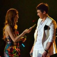 7 Things Nichkhun and Tiffany Do As Boyfriend and Girlfriend Now that the cat is out of the bag and we all know this and this SNSD-er are an item, we're going to take a guess at what these two love birds do on dates. Real Couples, Boyfriend Girlfriend, Snsd, Girls Generation, Yuri, Girlfriends, Sunnies, Tiffany, Dj
