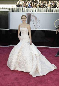 Jennifer Lawrence, en un vestido de Dior.  Conoce a las 10celebrities que siempre están perfectas en la alfombra roja de los Oscar