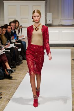Oscar de la Renta Pre-Fall 2012 - Review - Fashion Week - Runway, Fashion Shows and Collections - Vogue
