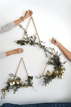 Gardens Discover Sam is home DIY modern brass wreath # wreath . Sam is home DIY modern brass wreath # wreath # brass Easy Crafts To Make Crafts To Sell Diy Crafts Decor Crafts Mason Jar Crafts Mason Jar Diy Creation Deco Deco Floral Floral Wall Pot Mason Diy, Mason Jar Crafts, Crafts To Make And Sell, Diy And Crafts, Modern Crafts, Sell Diy, Modern Wall Decor, Cool Wall Decor, Creative Wall Decor