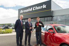 Arnold Clark supports Team GB swimmer Ross Murdoch.