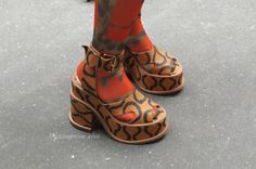 Wedges from Paris Fashion Week Shoes http://www.lenuagerose.com/2014/01/street-style-from-pfw-ss-2014-shoes/