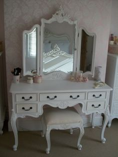 1000 id es sur le th me commode de maquillage sur for Maquilleuse meuble