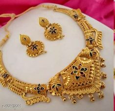 Checkout this latest Jewellery Set Product Name: *Halltree Wedding Women Necklace Set* Easy Returns Available In Case Of Any Issue   Catalog Rating: ★4 (492)  Catalog Name: Sizzling Bejeweled Women Necklaces & Chains CatalogID_1992063 C77-SC1092 Code: 872-10812061-177