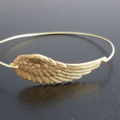 Beautiful angel wing bracelet from #Etsy