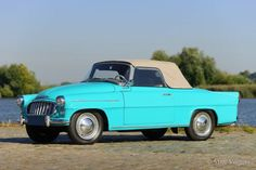 Škoda Felicia, year Colour radiant blue/green with a matching two tone interior. Inspired by the American cars of the Rock and roll period. This Felicia shows all original … Bus Engine, All Cars, Felicia, Rock And Roll, Classic Cars, Automobile, Engineering, Vehicles, Porsche