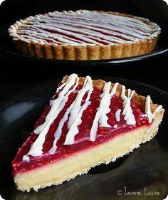 À mon avis, cette tarte est la meilleure recette de dessert que j'ai fais depuis le début de l'année , avec celle-ci . Comment la décrire ...
