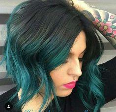 Einzigartige Haar-Farben auf Kurze Haarschnitte //  #Einzigartige #Haarfarben #Haarschnitte #kurze