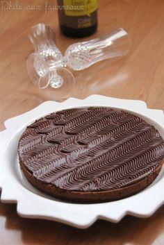Je me demande pourquoi une fois de plus, j'ai traîné à faire cette recette qui a tourné sur les blogs. Beaucoup ont testé cette recette ... Cake Chocolat, I Love Chocolate, Biscuits, Sweet Tooth, Cheesecake, Food And Drink, Cooking Recipes, Favorite Recipes, Sweets
