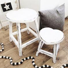 set-of-2-white-shabby-chic-wooden-heart-shaped-stools-138-p.jpg (1024×1024)