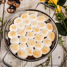 S'mores Dip Marshmallows, Cantaloupe, Dips, Fruit, Food, Souffle Dish, Oven, Cooking Recipes, Food Food